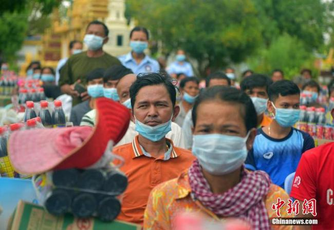 探访柬埔寨洪涝受灾民众安置点:振作信心、重建家园
