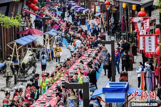 首屆中國丹寨非遺周落幕 9天吸引26萬游客