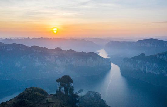 貴州黔西:苗寨旅游助脫貧