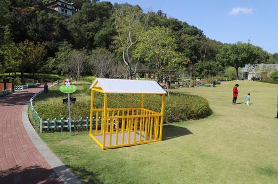 """台州椒江公园里设置的一处""""宠物公厕""""  椒江发布供图"""