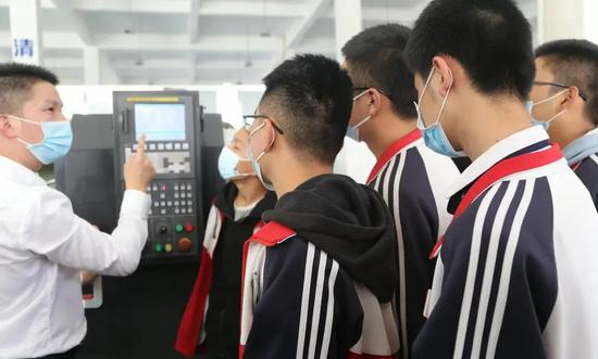 塔里木职业技术学院中职数控车床公开课受好评