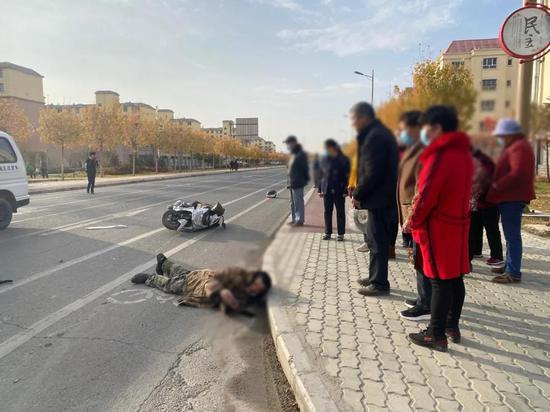 路遇交通事故 台州援疆教师挺身而出积极施救