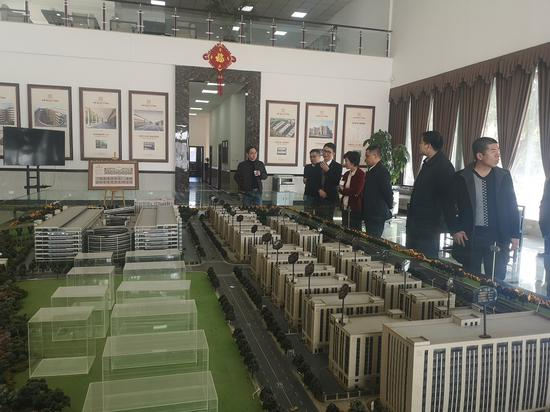 专项巡察组到平阳县萧江轻工产业城实地了解小微企业园规划、建设、管理、服务等情况。温州市纪委市监委供图