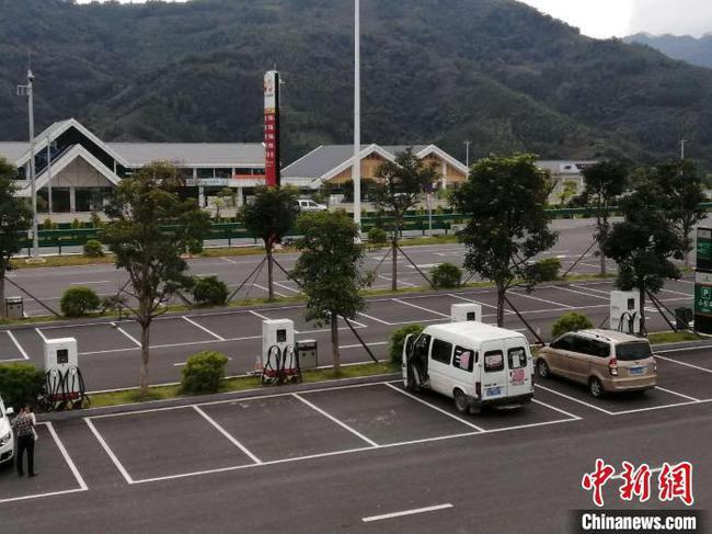 广西加大高速公路和国省道新能源汽车专用设施建设