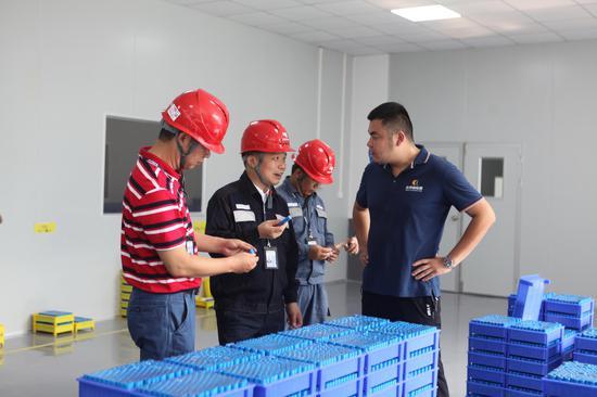 广西大新供电部门积极纾解企业困难助扶贫稳就业