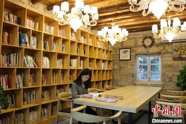 广西首家海岛智慧书房成新晋旅游打卡地