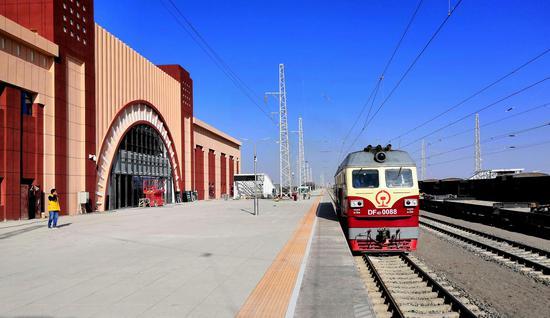格库铁路新疆段进入验收阶段