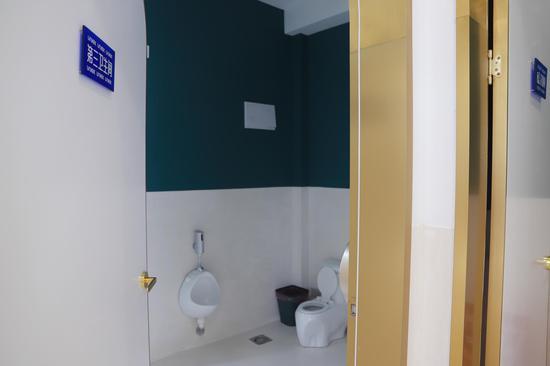 第三厕所间。 云龙供图