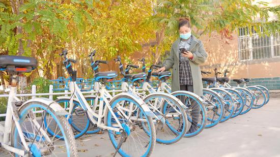 新疆库车市墩阔坦镇率先开启共享单车进村下乡