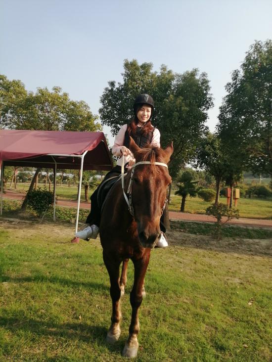 台青体验骑马项目 湖州市台办提供