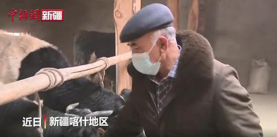新疆喀什25年党龄的草根宣讲员 展现村民的幸福生活