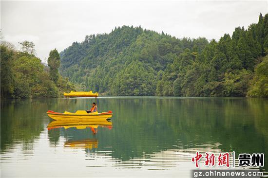 冬游贵州|贵州万山长寿湖:初冬邂逅秋意