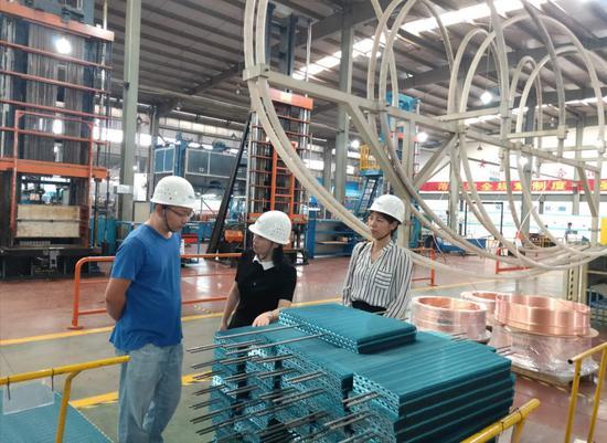 联企干部指导绿色工厂创建 安吉县宣传部提供