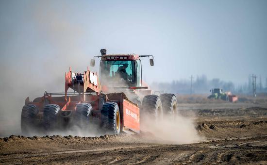 新疆尉犁县实施高标准农田建设 提升耕地资源利用率