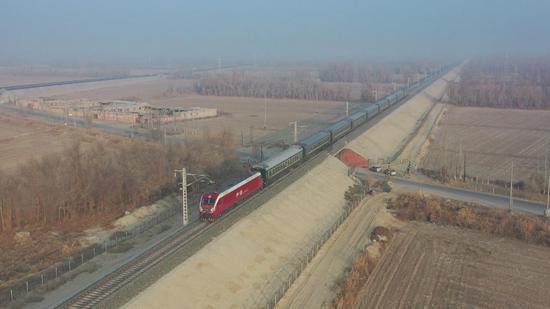格库铁路实现全线贯通 成为第三条出入新疆的铁路大通道
