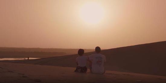 新疆和若铁路项目微电影《日出》