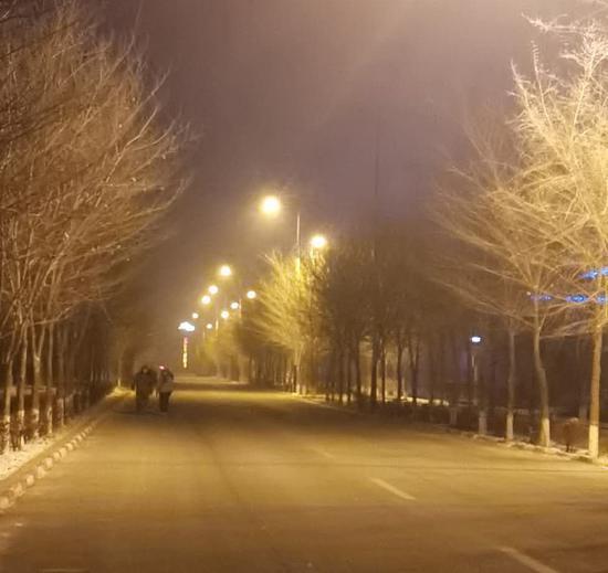 """一四七团夜景""""靓丽""""惠民生暖民心"""