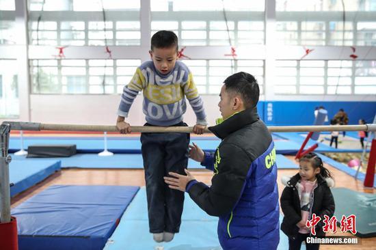 貴州榕江冬日里的體操訓練