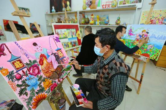 新疆库车市:创作农民画 弘扬传统文化