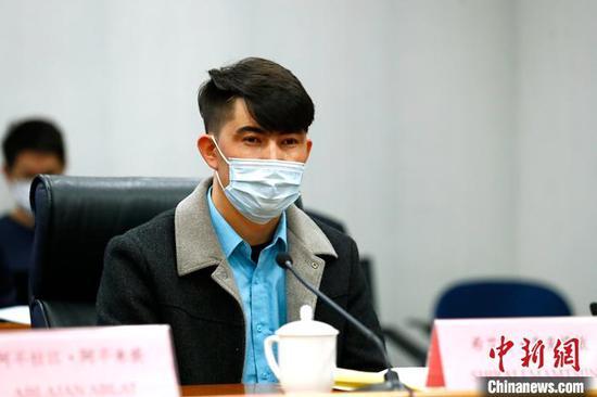 """新疆民众:""""难道我们用自己双手改变生活,还需要别人强迫吗?"""""""