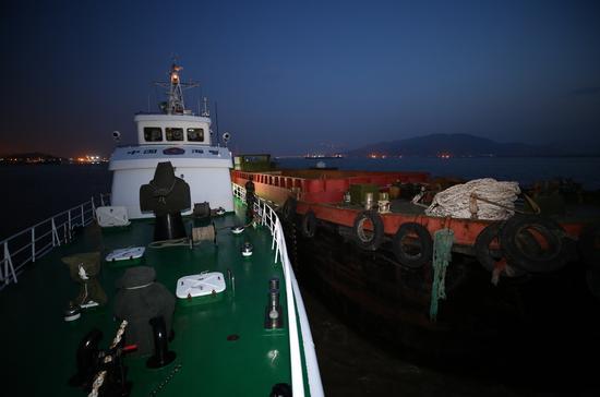 查获的走私船只  台州海警局供图