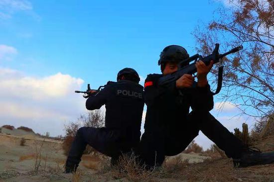 新疆阿瓦提警方冬训励警如火如荼