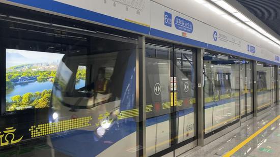 地铁6号线富阳段。 钱晨菲 摄