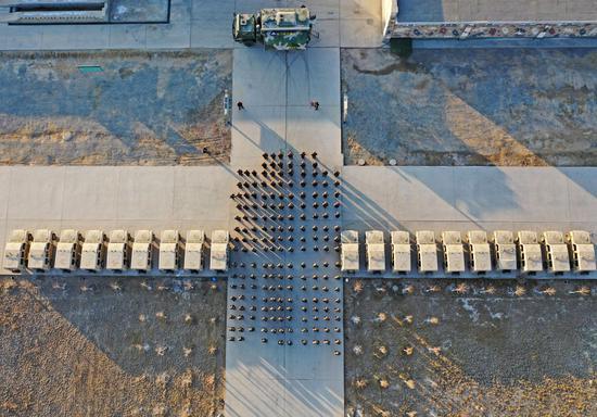 新疆军区某训练基地官兵快速掀起2021年度开训热潮