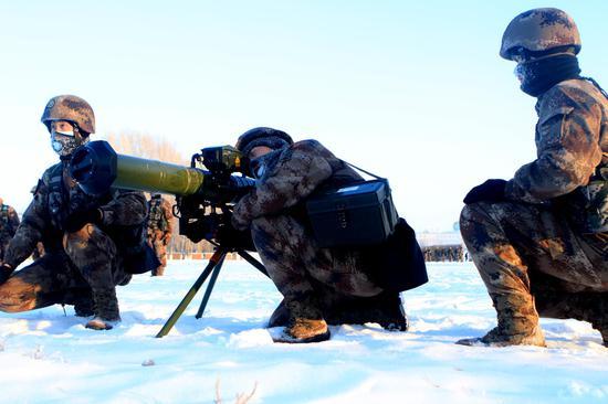 节后开训 新疆边防部队上演练兵热潮