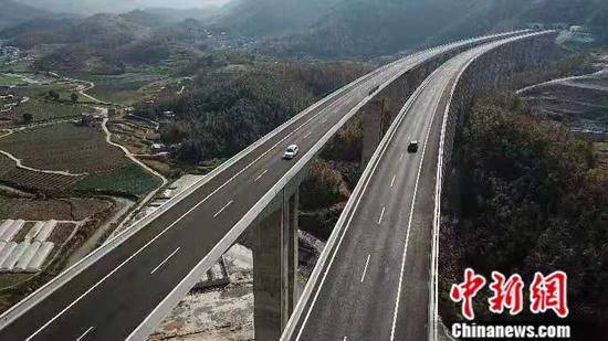 贵州5年综合交通预计完成投资8873亿元