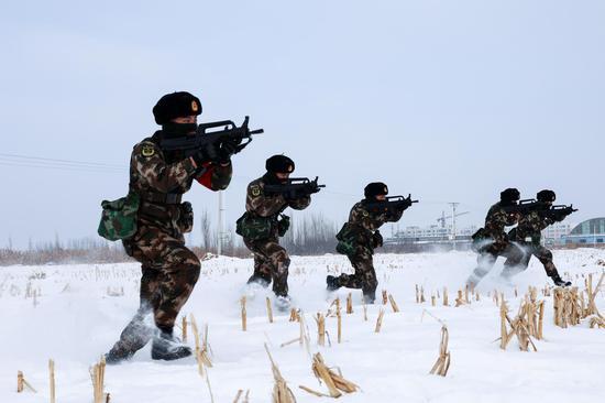 """开训即开战 新疆武警打响新年度军事训练""""第一枪"""""""
