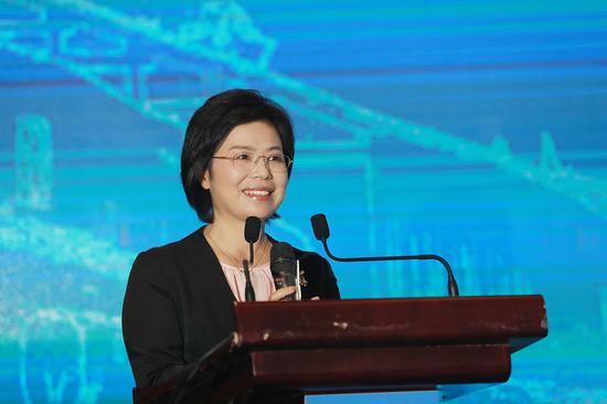 温州市委常委、统战部部长施艾珠。  温州市委统战部供图