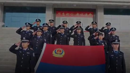 精河公安版《中国人民警察警歌》MV向中国首个警察节致敬