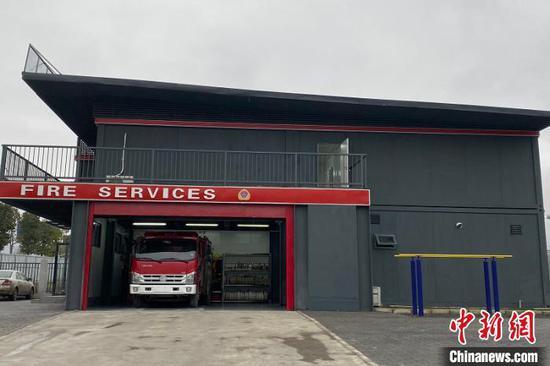 图为移动消防救援站一隅。