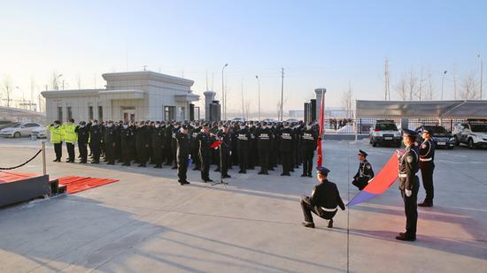 霍城垦区公安共庆首个中国人民警察节