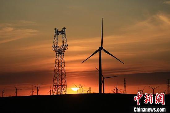 2020年新疆电网新增电源装机1084万千瓦,同比增长11.76%。国网新疆电力有限公司供图