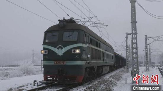 2020年经新疆霍尔果斯口岸进出境中欧班列开行列数创新高