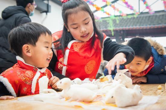 丰富百姓精神文化需求 浙江南浔传统民俗文化迎新年