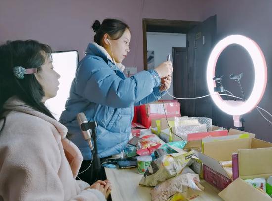浙江缙云去年网络零售额首破百亿元 同比增长近60%