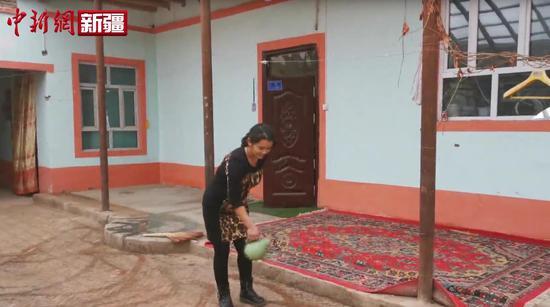 """新疆喀什努尔  买买提  的脱贫故事 """"养殖+种植""""走上致富路"""