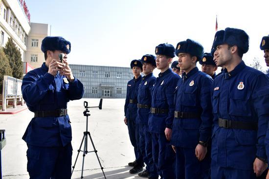 阿克苏森林消防大队加强装备操作训练发挥装备最大效能