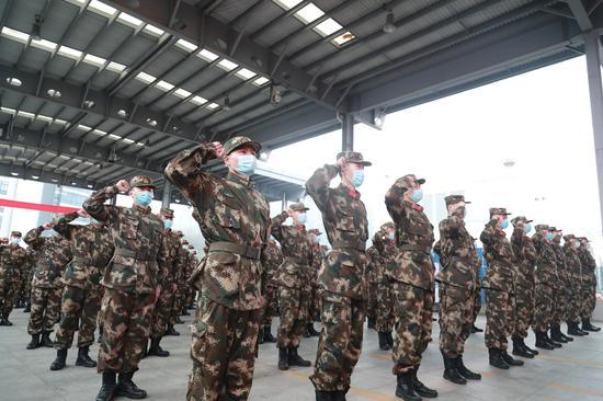 嘉兴支队举行新兵上勤仪式。赵杨 摄