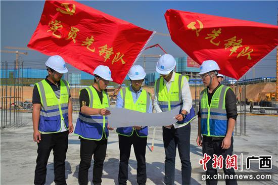 北海市中医医院新院区项目完成首块底板浇筑