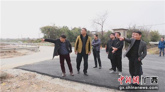 桂林工务段春运期间联合地方政府加快推动铁路道口平改立工作