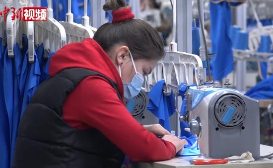 南疆阿克苏纺织厂:机纾声声忙生产