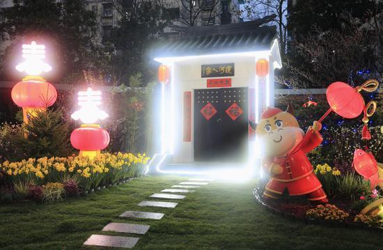 杭州园林工人精心制作的春节环境小品 毛志良供图