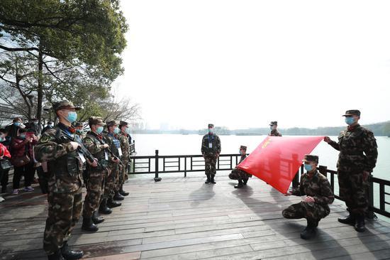 宣誓仪式现场。赵杨摄