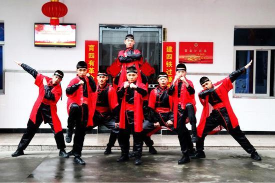 """武警温州支队:""""云""""上文化""""大礼包""""为春"""