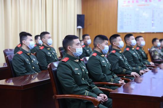武警丽水支队全体官兵参加团拜会。刘治乾 摄