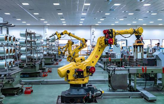 车间里的机器人 魏平供图